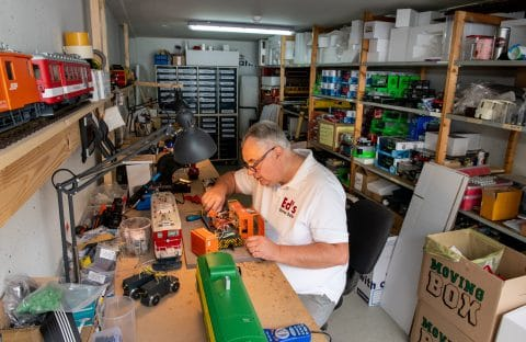 Ed's Garten Bahn - werkplaats en opslag modelbouw - garagebox van GaragePark